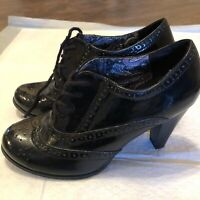 Fioni Womens Shoes Size 81/2.  Tie Up In Front Classy Shoes With Heels.