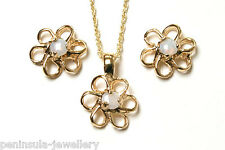 9ct Gold Opal Daisy pendant necklace and Earring set Gift Boxed Made in UK
