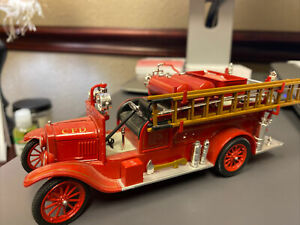 Signature Models 1926 Model T Fire Engine Truck Diecast 1/32 Chicago CFD