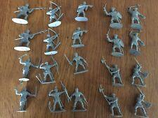 Italeri 1:32 scale MEDIEVAL SOLDIERS Foot soldiers and archers x20