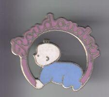 RARE PINS PIN'S .. ONG MEDECINE MEDICAL BEBE BABY ENFANT ROUDOUDOU LITERIE ~DX