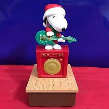 Hallmark Wireless Peanuts Gang Band snoopy Plays Music and Moves 2011