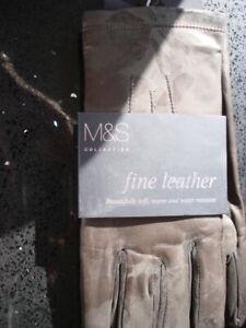 Ladies leather gloves. Brown