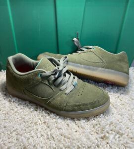 es Accel slim olive green skate shoes size 9