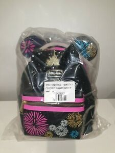 Minnie Mouse Main Attraction 12/12 December: Fireworks & Castle Mini Backpack.