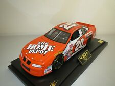 Revell 10545  Nascar  Tony  Stewart  #20  (orange)  1:18  OVP !!