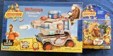 Chicken Run Mr. Tweedy's Chicken Pie Thrower & Rocky action figure new in packs