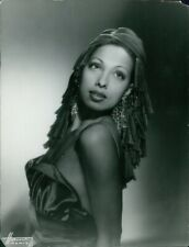 Josephine Baker posing. - 8x10 photo