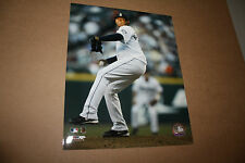 SEATTLE MARINERS FELIX HERNANDEZ UNSIGNED 8X10 PHOTO POSE 1