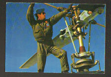 HELICOPTERE MILITAIRE / MECANICIEN au travail