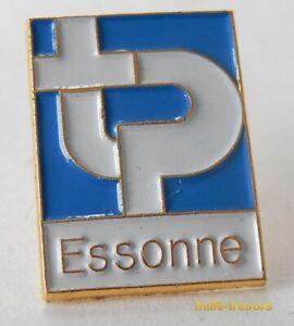 Ancien PIN'S : TP ESSONNE - (Travaux Publics ?)