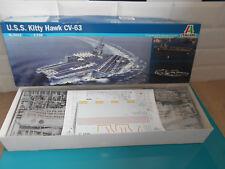 17.09.17.3 U.S.S. Hitty hawk CV-63 porte avion ITALERI maquette kit 1/720