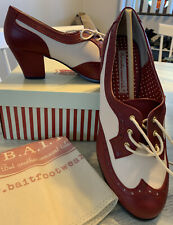 New Vintage Heeled Oxford Red & Beige Size 10