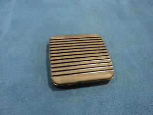MAZDA B2000, B2200 & FORD COURIER NEW OEM CLUTCH OR BRAKE PEDAL PAD 3792-43-028