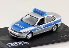 Opel Vectra B Polizei silber-blau 1995-2002 1:43 IXO / Altaya Modellauto