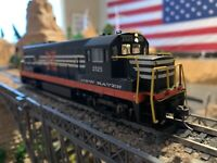 Ho Scale Bowser GE U-25B New Haven #2525 DCC w/Sound Kadee NEW IN BOX detailed!