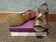 NIB Aravon Women's Sonia Dress Heel Bronze Brown AAO07BZM Size 10 Wide
