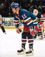 MARK MESSIER Up CLOSE On FACEOFF 8x10 Photo NEW YORK RANGERS OILERS HOF  GREAT~ 72ba1bce851e