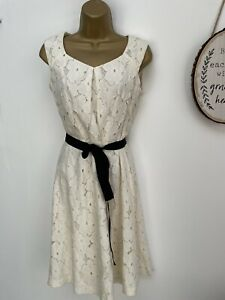 PRECIS PETITE White Floral Embroidered Lace Fit And Flare Dress - Size 8
