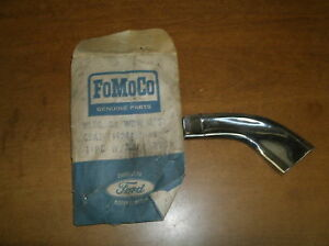 NOS 1965 1966 FORD COUNTRY SQUIRE SEDAN REAR WINDOW MLD