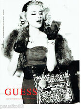 PUBLICITE ADVERTISING 066  2011   Guess  haute couture sacs & Amber Heard  3
