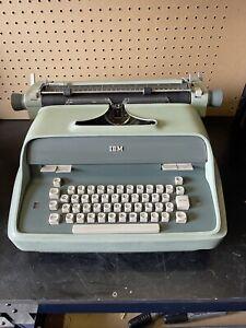 Vintage IBM Model C Executive Green Typewriter Needs Ribbon *READ* FAST SHIPPING