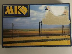 MKD 545 plastic model H0 kit ELECTRIC POLES  new in open and damaged box A Pras