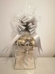 Ferrero Rocher  luxuury Chocolate Bouquet Hamper Perfect For Any Occasion.