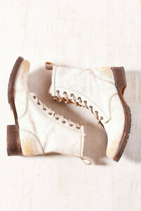New Urban Outfitters Ecote Ranger Leather Lace up Boot Size 8.5 MSRP: $199