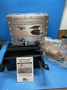 DT Systems Model BL500 Natural Flush/Bird Manual Launcher (No Remote) W/ Birds