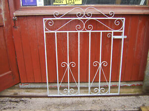 Heavy single iron gate 3 ft  tall to fit a opening of 3 ft Galvanized L/H ..