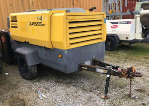 Atlas Copco XAVS400 -  400 cfm Air Compressor on Trailer w/ Caterpillar Engine