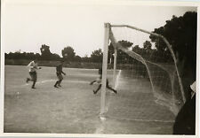 PHOTO ANCIENNE - VINTAGE SNAPSHOT - SPORT FOOTBALL MATCH BUT - GAME GOAL