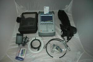 Rohde & Schwarz FSH4.24 R&S® FSH Spektrumanalysator + preamp 4Ghz - ALL options