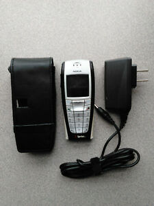 Nokia Cell Phone - Carry Case and Charger - Sprint - for Parts