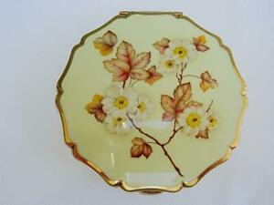 Vintage Stratton Compact 1970s Enamel Blossom Flower Design Ladies Powder