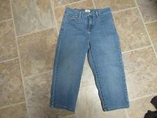 womens capris jeans levis size 9m 545 waist  28 x length  19 item#697s 5 6 7 8