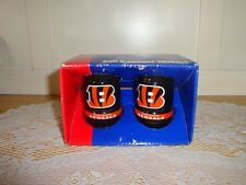 Set of Cincinnati Bengals Salt and Pepper Shakers-Football-Sports-Souvenirs-(S)