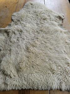 Vintage Ivory Sheepskin Rug Used Wool Pelt 30x22 genuine lamb New Zealand