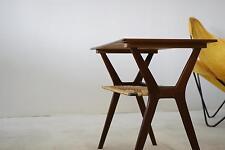 Teak Tisch side table Design 50th 60th Wegner Epoche Midcentury Regal Beistell