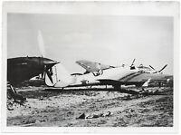 Zerstörte russische Kampfflugzeuge. Orig-Pressephoto, von 1942