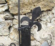 Rare crémaillère en fer forgé. Epoque XVIII ème. Fleur de lys. Cheminée.