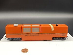 ATLAS HO Scale #20000375 MOW ORANGE TRACK CLEANING CAR (missing Parts)