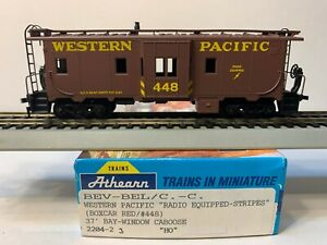 HO Athearn Blue Box Bay Window Caboose Western Pacific, WP #448
