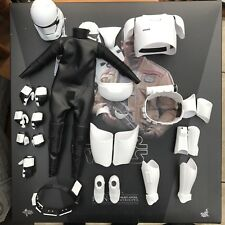 Hot Toys Star Wars First Order Stormtrooper Full Complete Armour Set Helmet 1:6