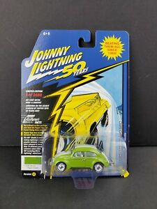 Johnny Lightning 50th Years 1966 Volkswagen Beetle Hippy Green Diecast Car NEW