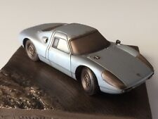 Reproduction en bronze Porsche 904 GTS échelle 1/43 sur socle