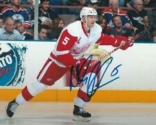 NICKLAS LIDSTROM SIGNED DETROIT RED WINGS 8X10 PHOTO W/PROOF