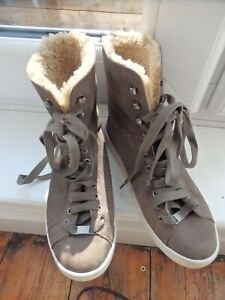 Soft grey/green suede and sheepskin boots by Ugg  size 6.5