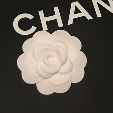 Authentique Blanc CHANEL Daim Touch tissu Camellia Fleur à rendre Broche/PIN